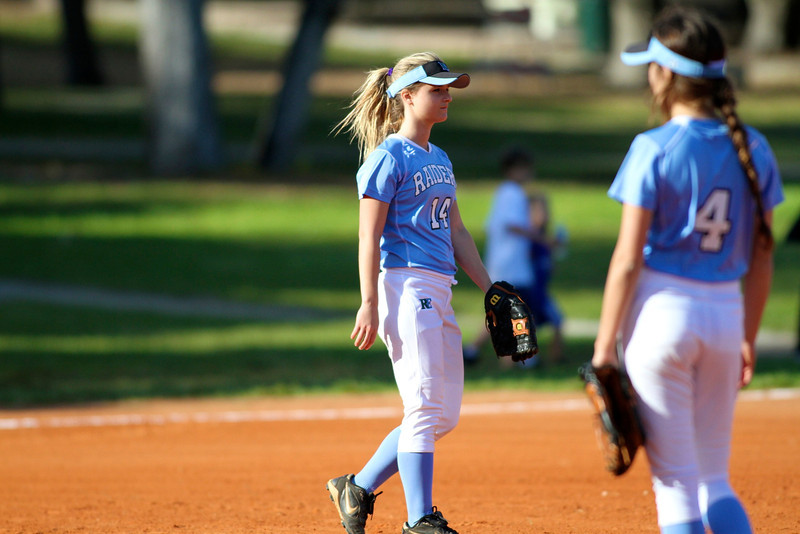Softball Girls RE 3368.jpg