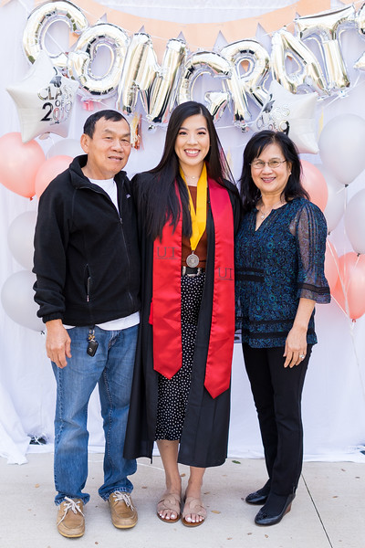20191208_emilie-ut-grad-party_045.jpg