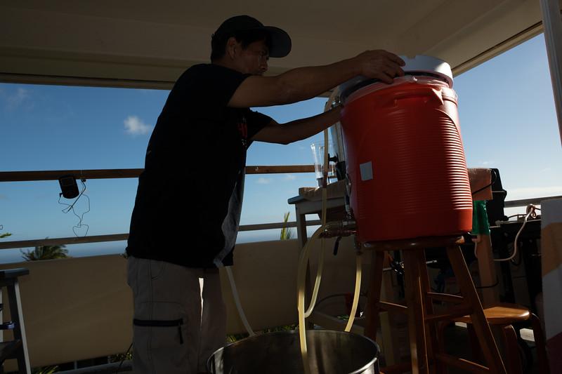 Hawaii - Brewing Beer-67.jpg