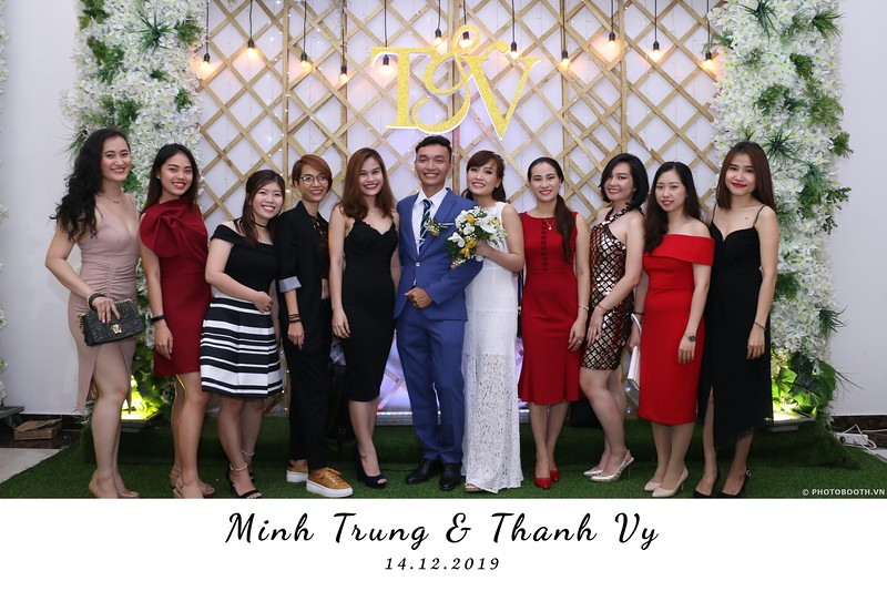 Trung-Vy-wedding-instant-print-photo-booth-Chup-anh-in-hinh-lay-lien-Tiec-cuoi-WefieBox-Photobooth-Vietnam-106.jpg