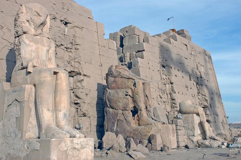 Karnak Temple 01.08.06 0020.jpg