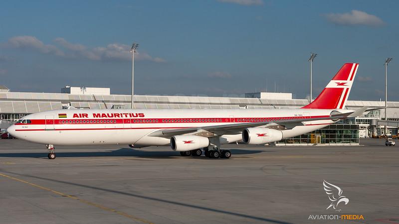 3B-NAU_AirMauritius_A340-300_MG_2857_AM.jpg