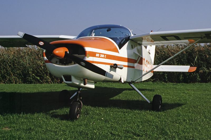 D-EGVI-BolkowBo-208Junior-Private-EDXB-2000-09-30-JG-05-KBVPCollection.jpg