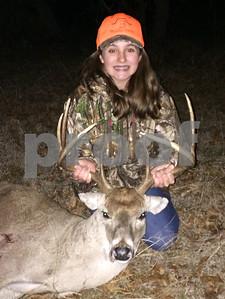 hunter-finally-gets-buck-as-season-ends