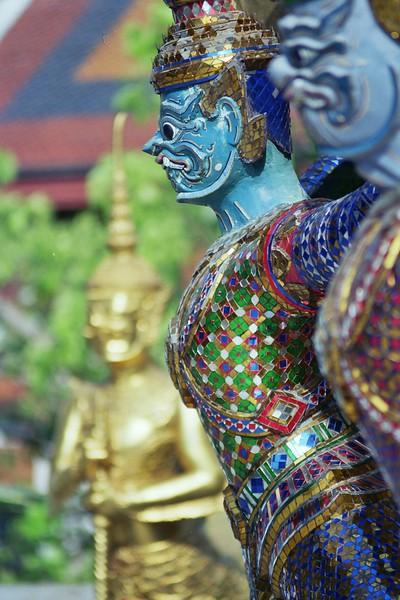 Bangkok, Temple, December 2003.jpg