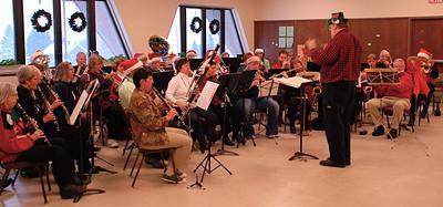 2010 12 11:  Duluth Symphonic Winds (Community Band), Bkfst w Santa
