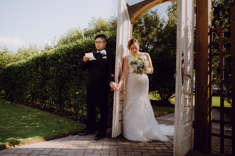 Kaitlin_and_Linden_Wedding_Pre_Ceremony-43.jpg