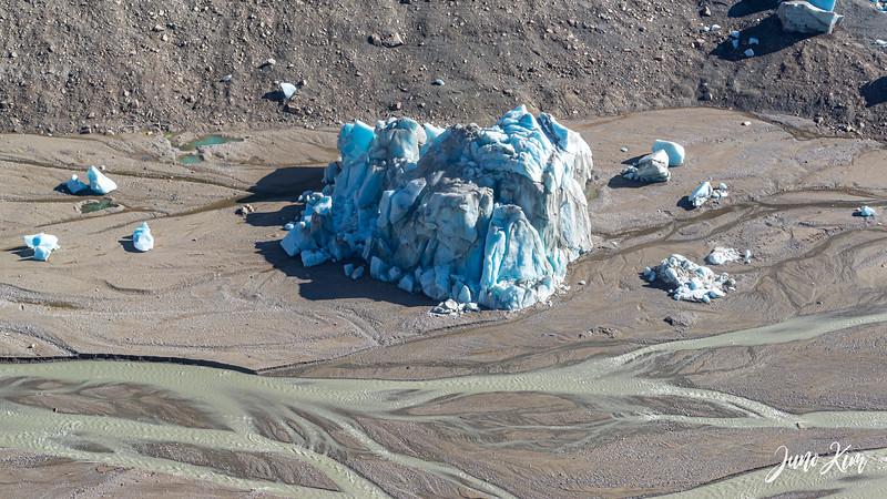 Rust's_Beluga Lake__6100813-2-Juno Kim.jpg