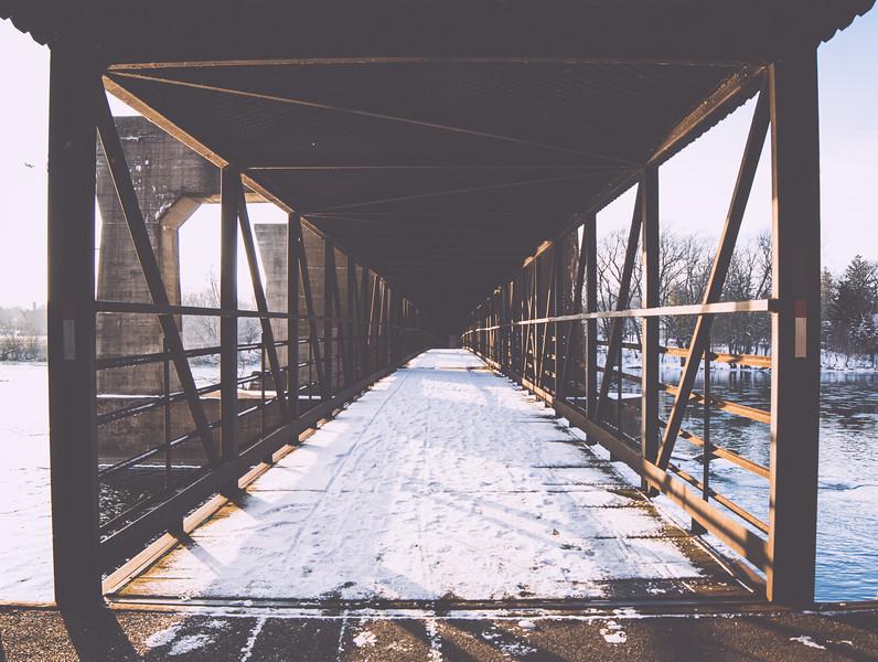 geneva bridge4.jpg