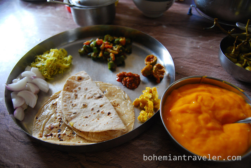 Gujarati thali Indian food.jpg