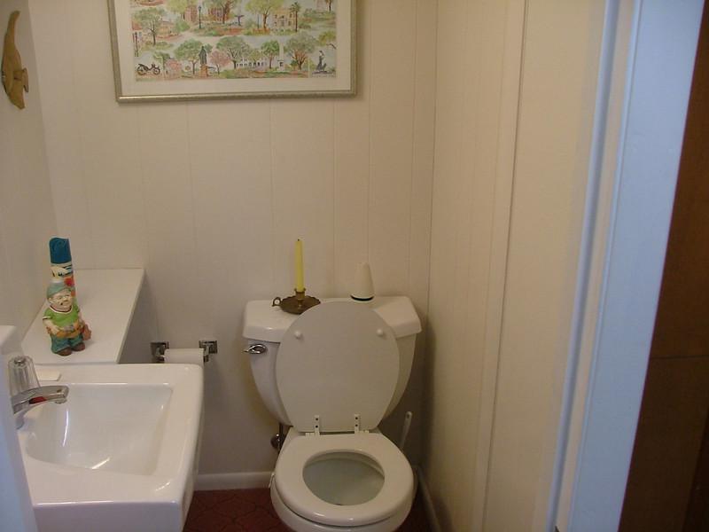 basement 1/2 bath