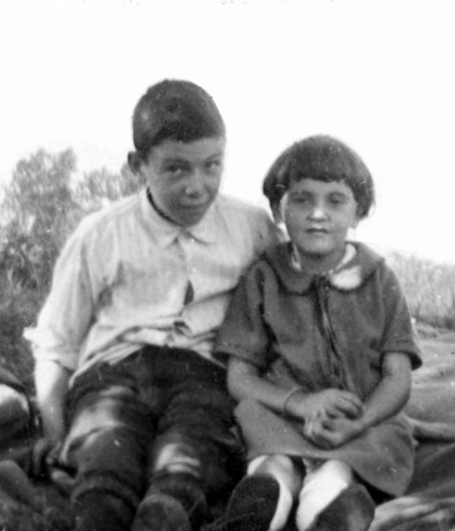 1925_Terry and Kay.jpg
