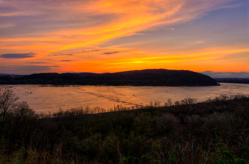 Sunset - Breezy overlook(p).jpg