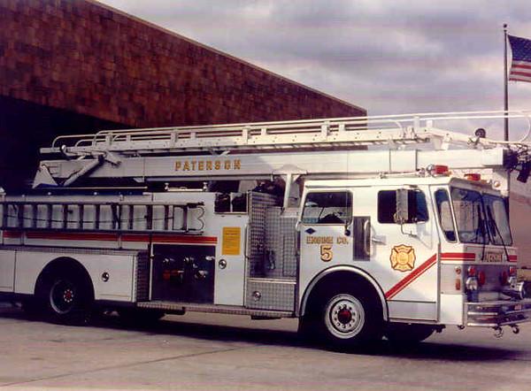 Paterson E-5 (1989).jpg
