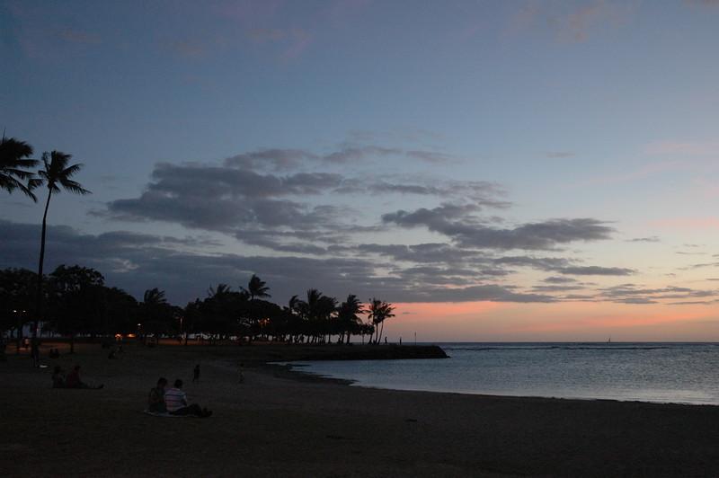 Hawaii - Ala Moana Beach Sunset-195.JPG