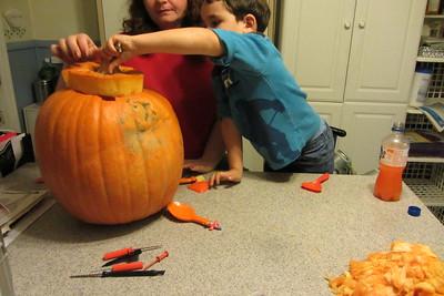 10-21 Pumpkin carving
