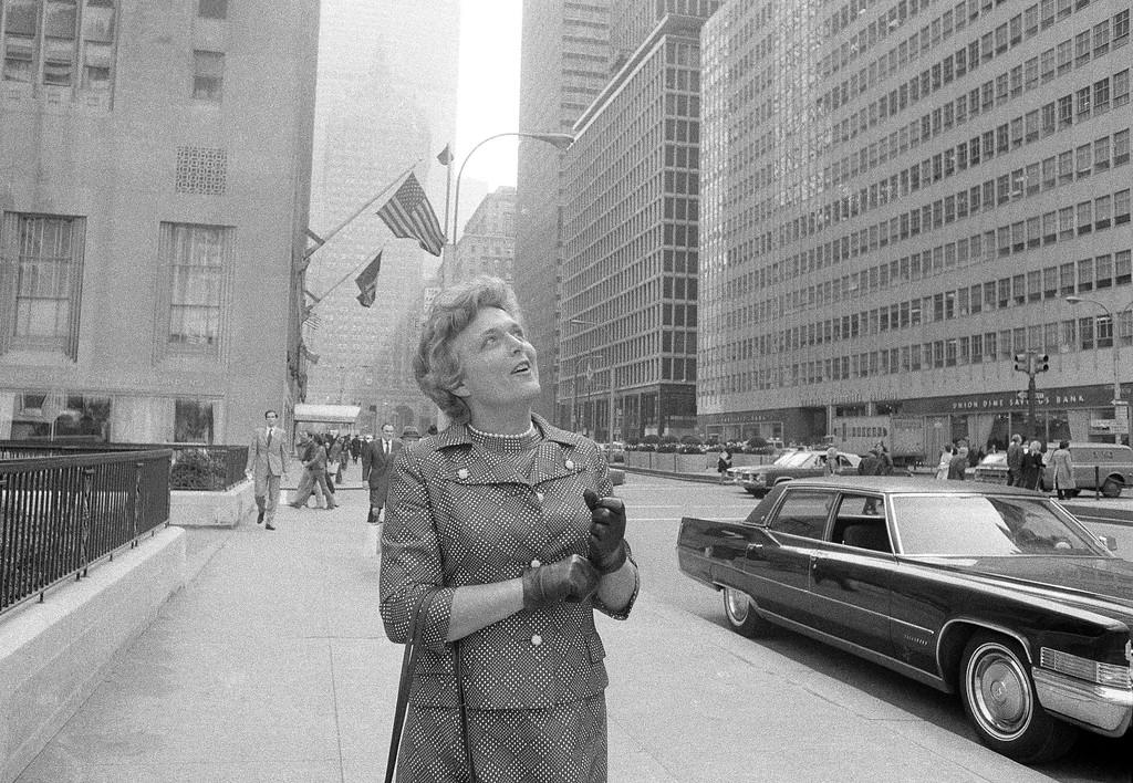 . Mrs. George Bush walking on New York\'s Park Avenue, April 13, 1971. (AP Photo)