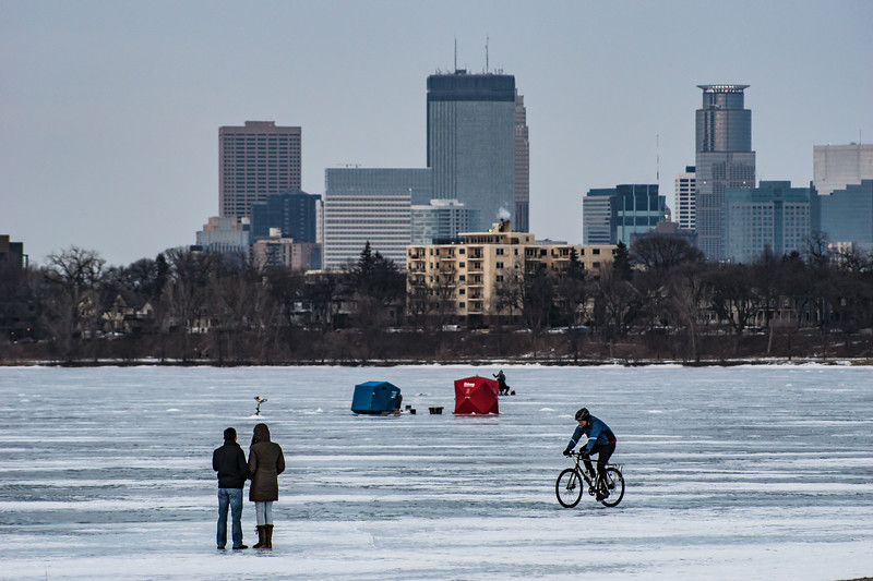 Calhoun, Minneapolis, bike no wm-155.jpg