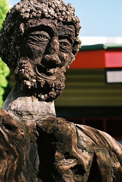 wood-sculpture-in-hokatika_1814397712_o.jpg