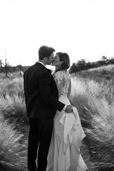 Kate&Josh_B&W_ZACH.WATHEN.PHOTOGRAPHER-436.jpg