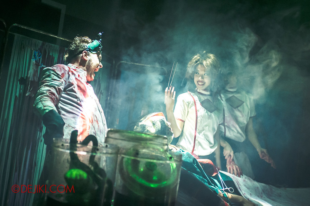 Halloween Horror Nights 2011 Singapore THE VOID scare zone
