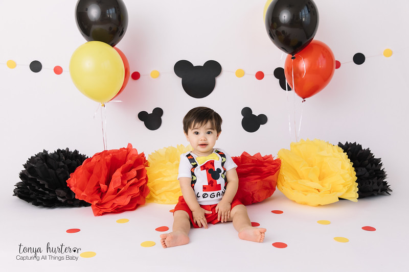 Logan-1-Yr-LOW-Resolution370A9493-Edit.jpg
