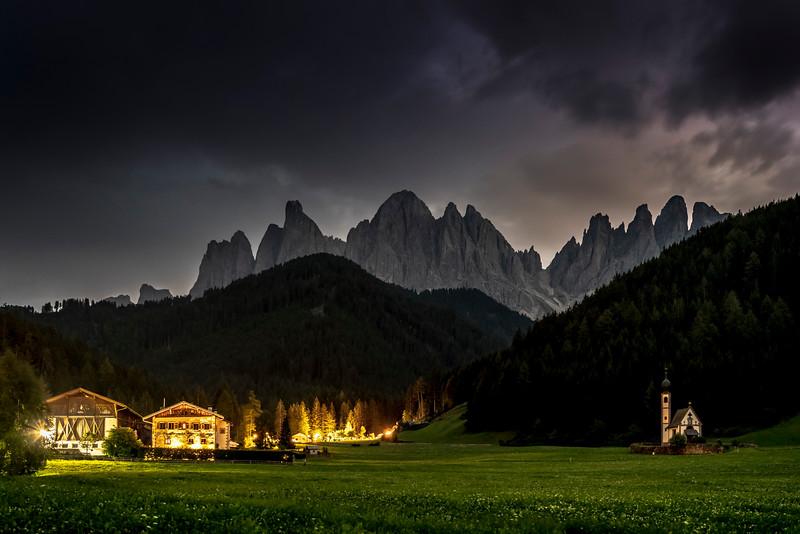 Sass Rigais (3.025 m) & Chiesetta di San Giovanni in Ranui