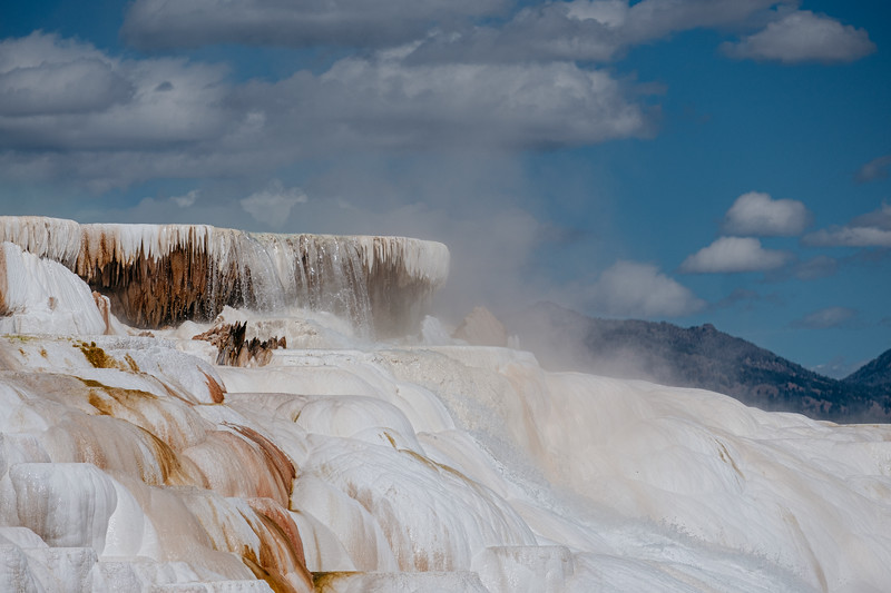 Mammoth-Hot-Springs-Yellowstone-Mroczek-2870.jpg