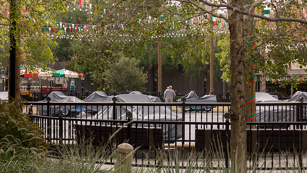 Disneyland Resort, Disney California Adventure, Cars Land, Luigi's Rollickin' Roadsters, Luigi, Rain, Water, Weather, Cover, Vehicle, Car