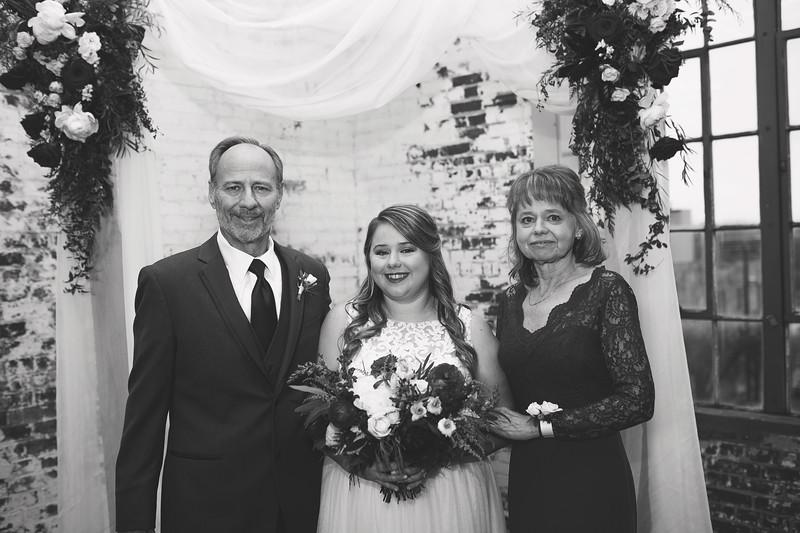 Family Formals K&M BW-3.jpg