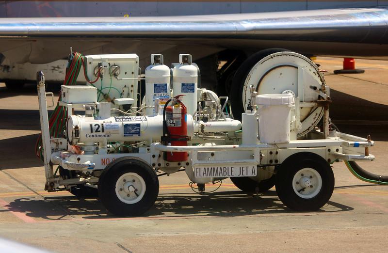 Airplane fuel pump