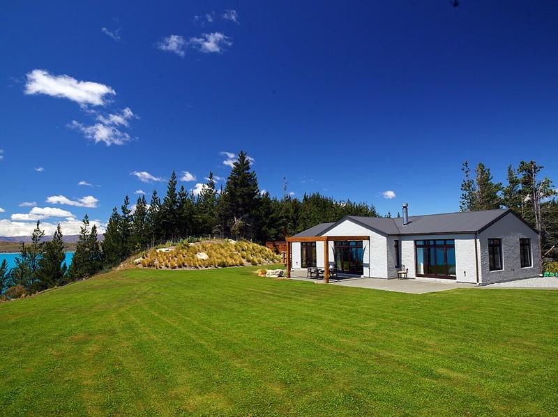 Ashley Mackenzie Villa - Mt Cook Lakeside Retreat
