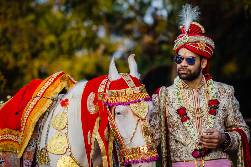 Candid Wedding Photographer Ahmedabad-1-152.jpg