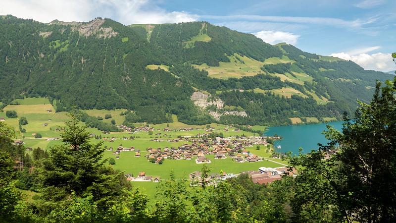 Switzerland-Train-to-Zurich03.jpg