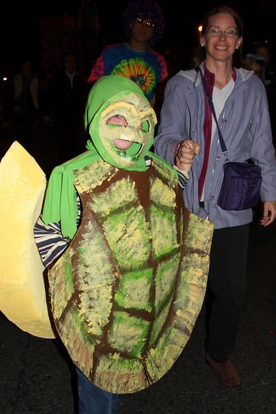 09.10.31 Halloween.PSCC. Paradef-10-30.jpg