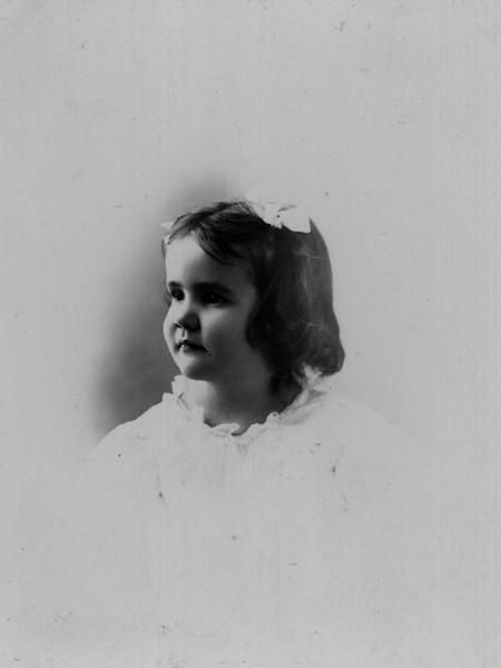 Gladys Hill Age 3.jpg