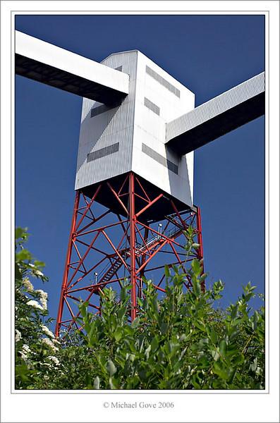 Elevator tower  Avonmouth Bristol (61985187).jpg