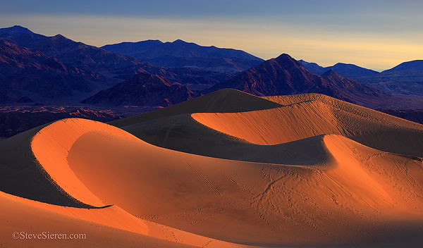 Death_Valley_Dune_Pano_Sunrise_600.jpg