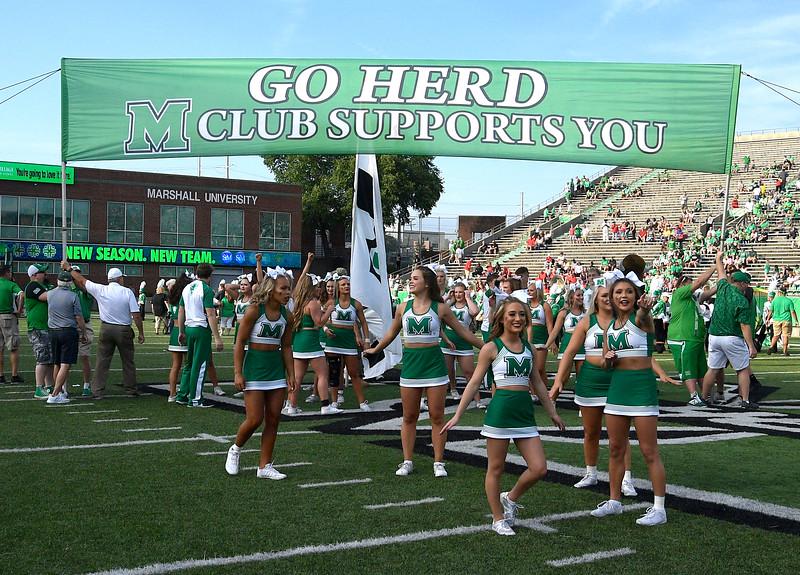 cheerleaders7063.jpg