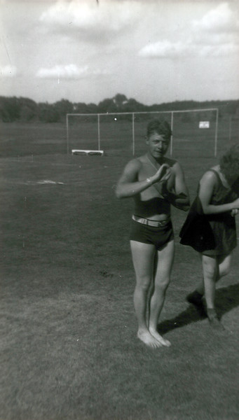 1942 Doug Gordon (1).jpeg