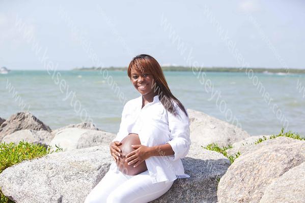 Ashley's Maternity Photoshoot