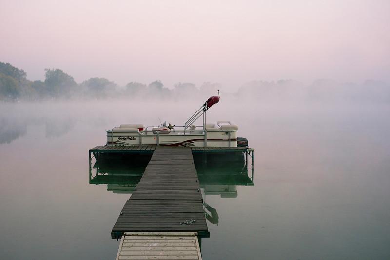 Pretty Lake @ dawn-3.jpg