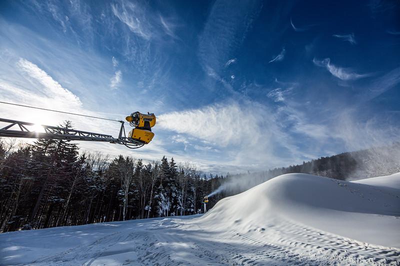 Snowmaking 1920-3618.jpg