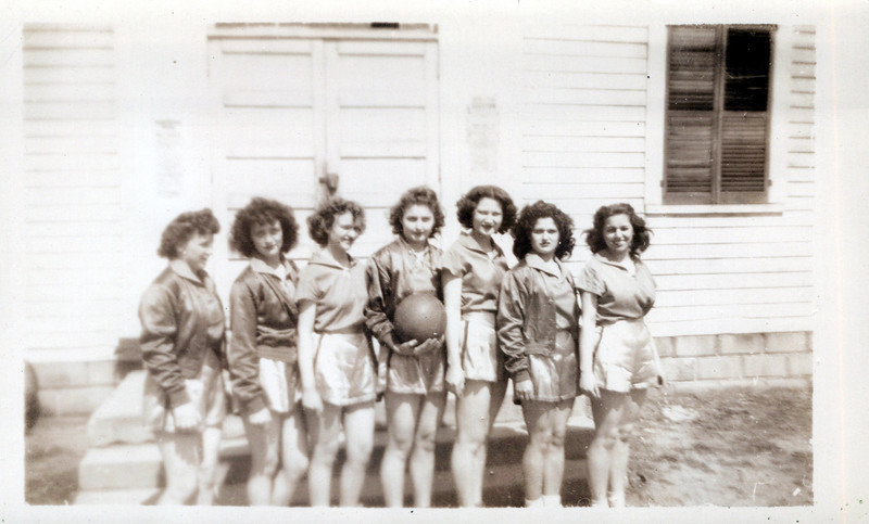 1945 Eileen Konyha 2nd to right and Viv 2nd to left.jpeg