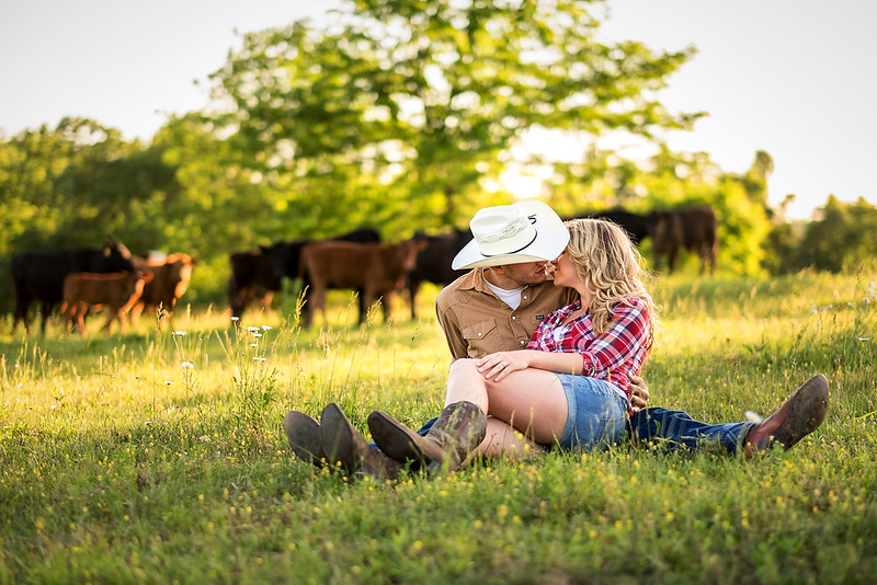 Kevin_Amanda_Country_Engagement_Blue_Photos_Jefferson_City_MO_Wedding_Photography -003.jpg