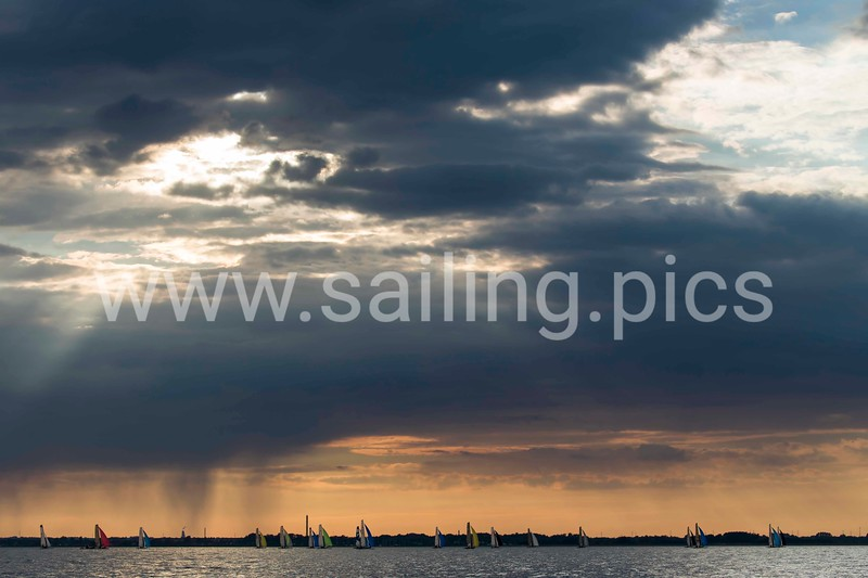 Fourth race day - heading back to the harbour late F18 Worlds 2017 - Vallensbæk Sailing Club - 14, July 2017. Photo: Mogens Hansen