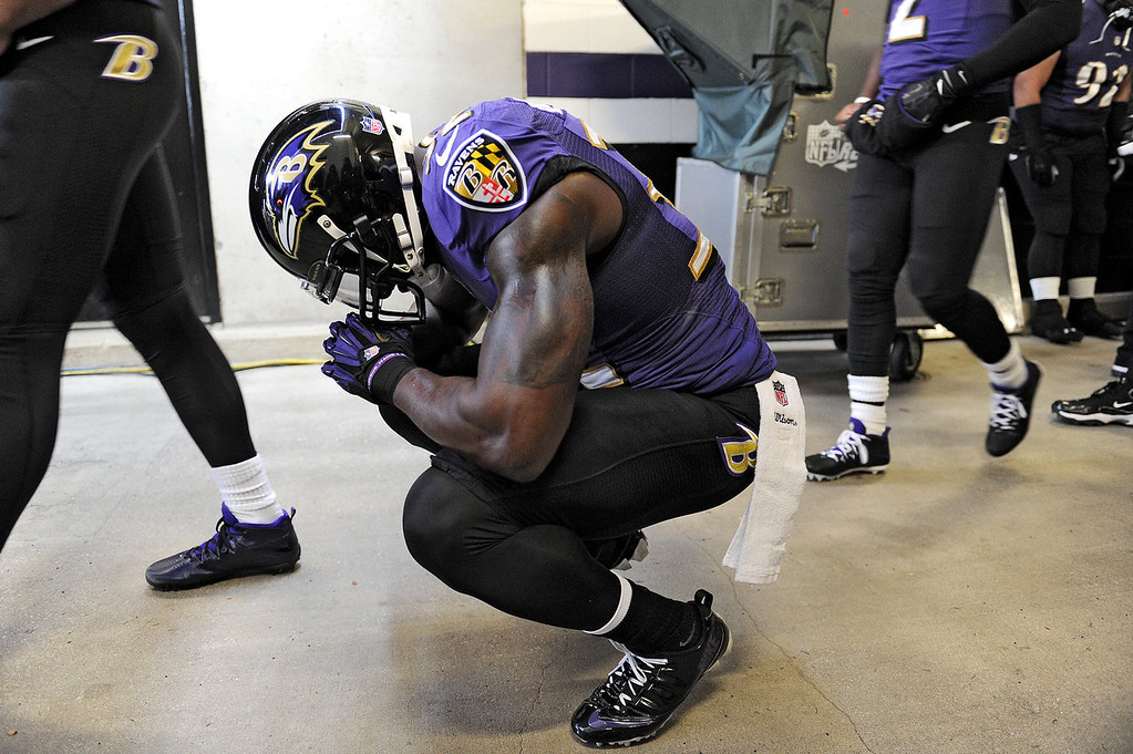 . Strong safety James Ihedigbo #32 of the Baltimore Ravens has a moment to himself before playing the New York Jets at M&T Bank Stadium on November 24, 2013 in Baltimore, Maryland. The Baltimore Ravens won, 19-3.(Photo by Patrick Smith/Getty Images)