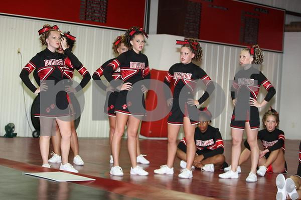 Odessa Bulldogs Cheerleading Competition Squad 8-5-08