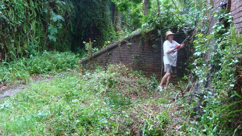 Annie Lytle 2012 Cleanup Effort and Volunteers 007.jpg