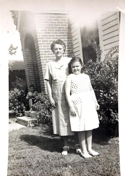Grandpaw Samuell's Cousin Minnie